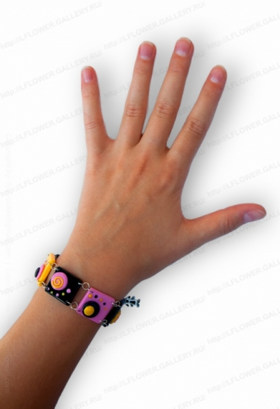 Braclelet on hand - Cubic spinnig_.jpg